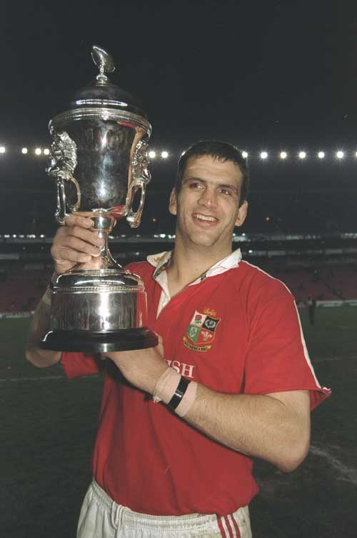 Martin Johnson lifts the Lions series trophy in 1997