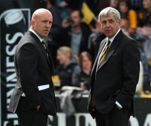 Wasps director of rugby Ian McGeechan talks with head coach Shaun Edwards