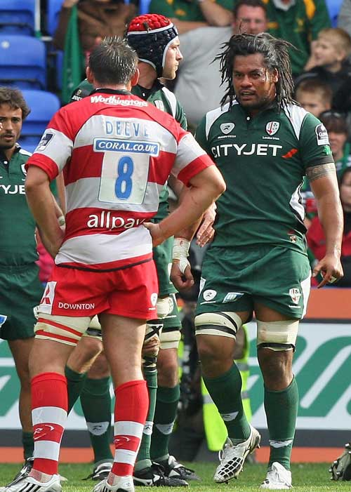 Gloucester's Gareth Delve and London Irish's George Stowers square-up