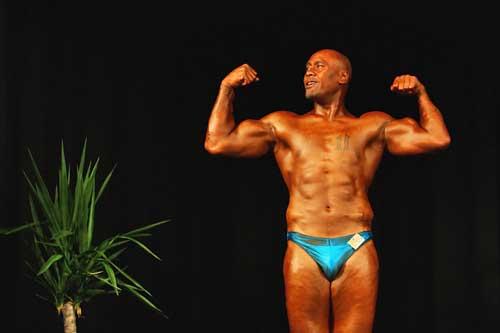 Jonah Lomu makes his bodybuilding debut