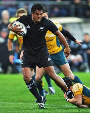 New Zealand's Isaia Toeava takes on the Australia defence, New Zealand v Australia, Tri-Nations, Westpac Stadium, Wellington, New Zealand, September 19, 2009