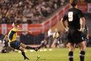 Australia fly-half Matt Giteau scores a penalty goal
