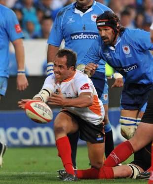 Cheetahs scrum-half JP Joubert fires a pass