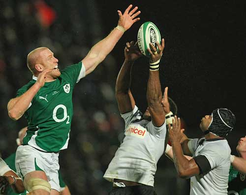 Ireland's Paul O'Connell and Fiji's Ifereimi Rawaqa compete for a lineout