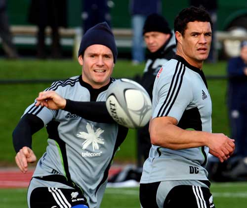 New Zealand fly-half Mike Delany passes