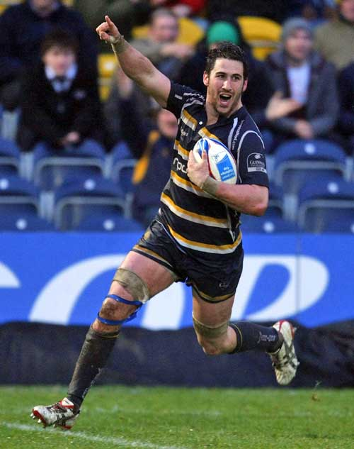 Worcester's Matt Cox races in to score a try