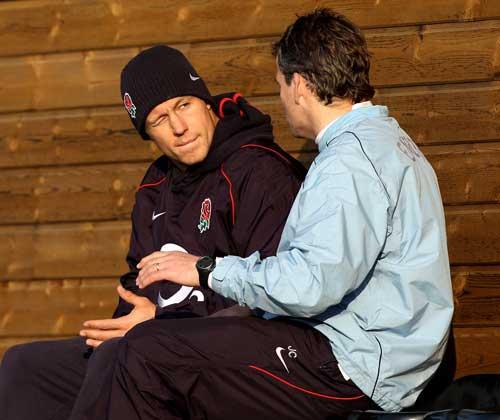 England fly-half Jonny Wilkinson talks to kicking coach Jon Callard