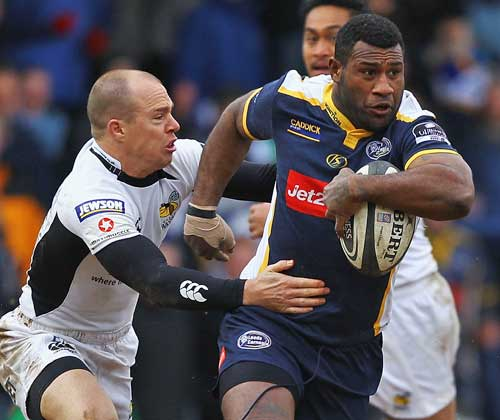 Leeds' Seru Rabeni takes on Wasps' Mark van Gisbergen