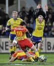 Perpignan fly-half Nicolas Laharrague slots a drop-goal